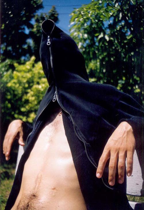 Carlos Betancourt, Interventions in Wynwood, Hood on the Hood, II 2003, 2003