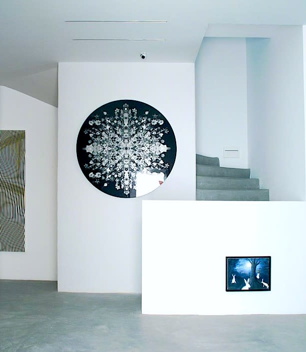 Carlos Betancourt, Exhibit at Dio Horia, Mykonos, Greece; Re-Collections Cosmic ( round), IV, 2016-2017