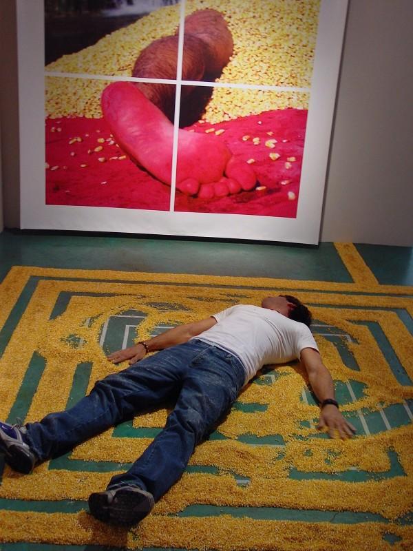 Carlos Betancourt, Performance, image 1, 2005