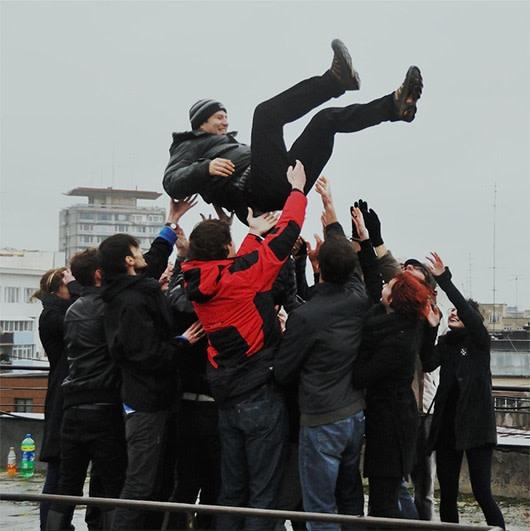 Yoshinori Niwa, Tossing socialists in the air in Romania, 2010