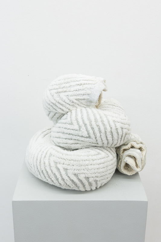 Oren Pinhassi, Towel Snake (Zig Zag) , 2018