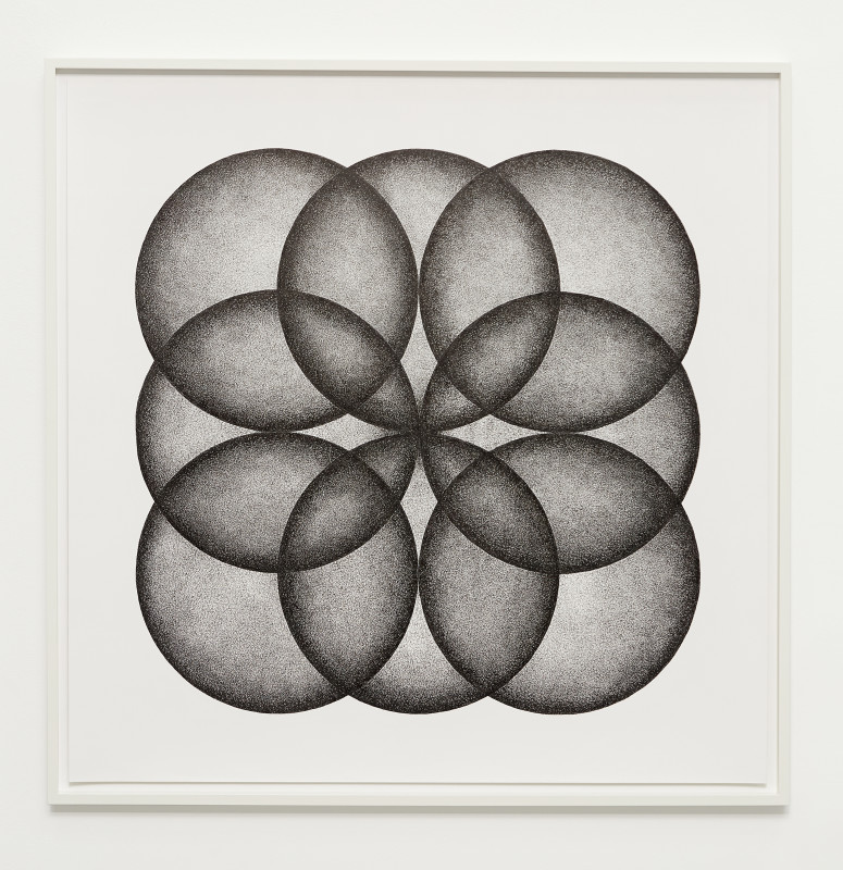 IGNACIO URIARTE, Eight Circles Forming a Square, 2018
