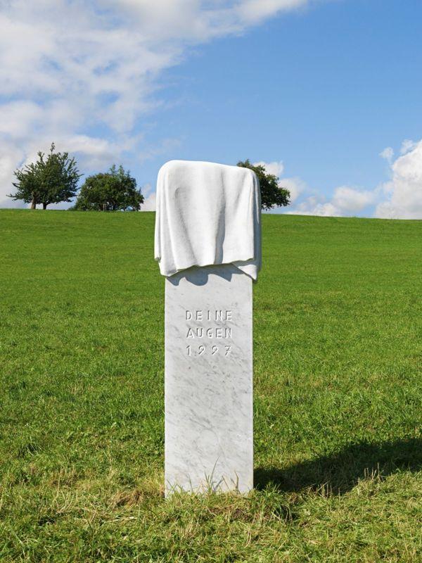 RAGNAR KJARTANSSON, Denkmal (I, II, III), 2011