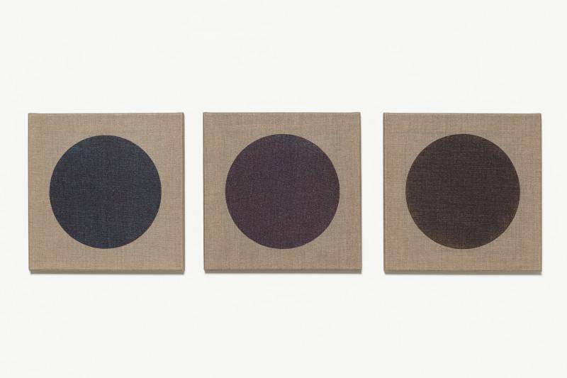IGNACIO URIARTE, Black & Blue Dot Dot Dot, 2010