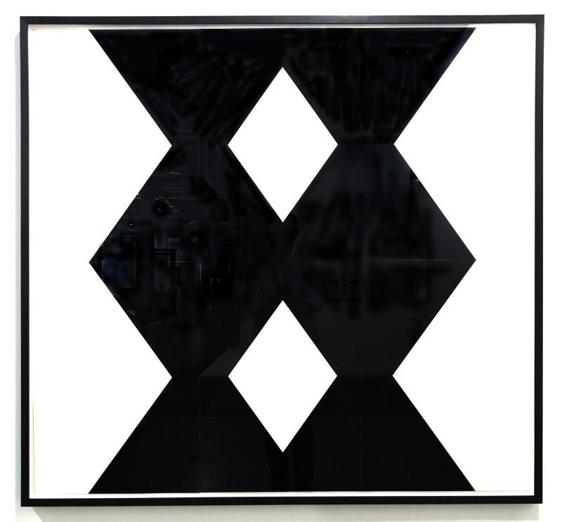 IGNACIO URIARTE, Two Black Columns, 2017