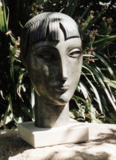 Michael Grevatte, Small female head