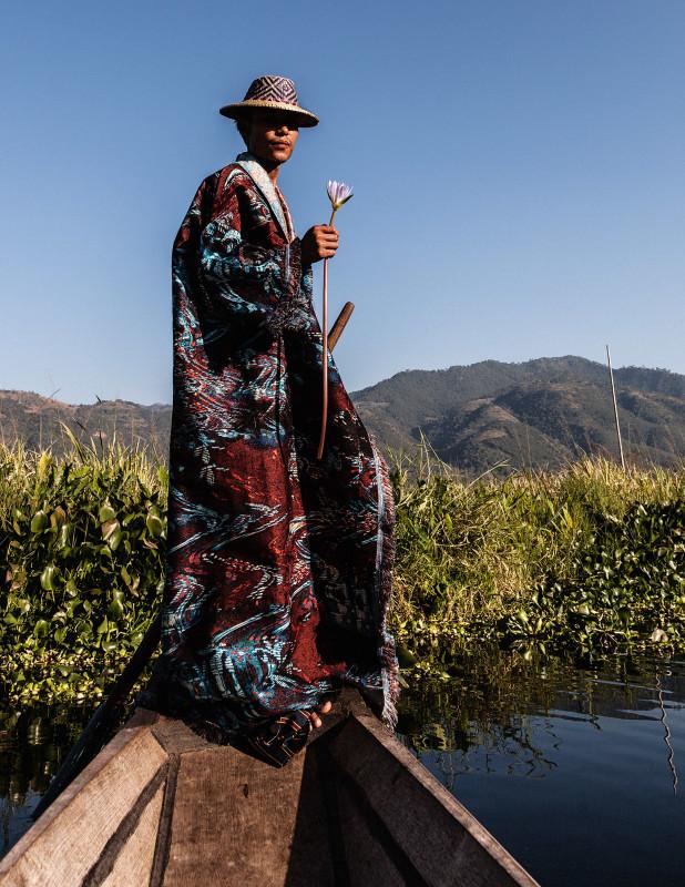 YAR ZAR - Picking the lotus
