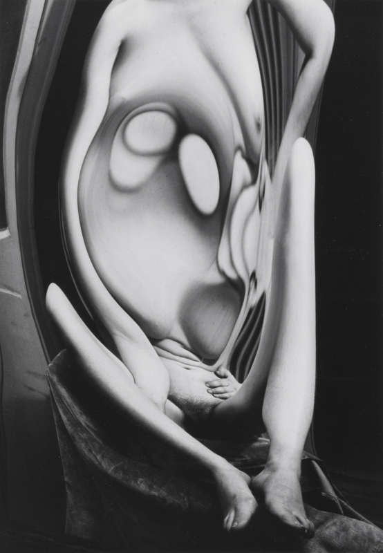 Andre Kertesz, Distortion #117 , 1933
