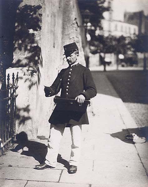 ContactEugène Atget: Facteur, ca. 1899