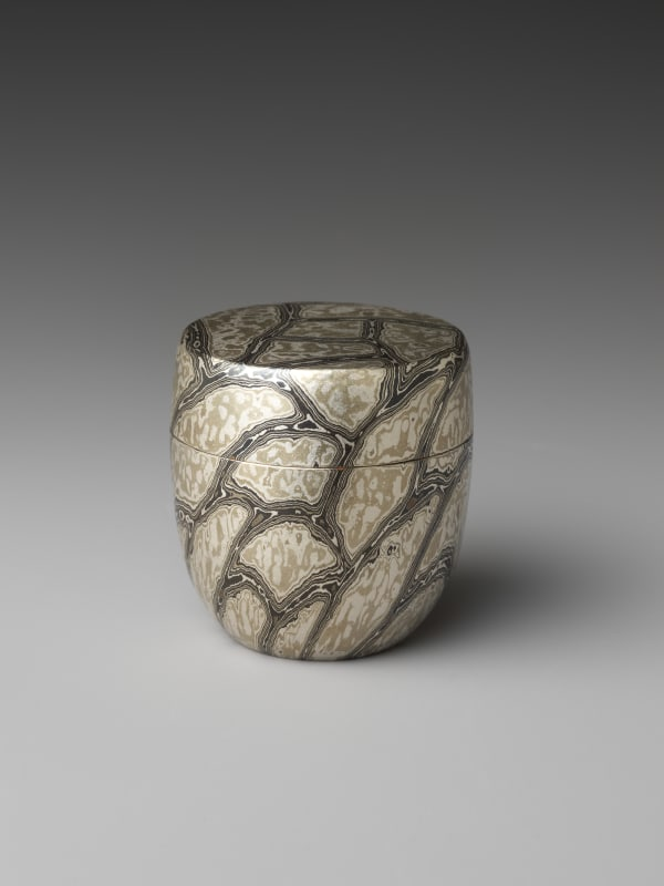 Sako Ryuhei (Japanese, born 1976). Wood-Grain Metal Tea Caddy (Chaki), 2020. Reiwa period (2019– present). Silver, copper, copper and silver alloy (shibuichi), and copper and arsenic alloy (kuromidō). The Metropolitan Museum of art, Gift of Hayashi Kaoru, in celebration of the Museum's 150th Anniversary, 2020 (2020.76.11a, b). Image © Sako Ryuhei