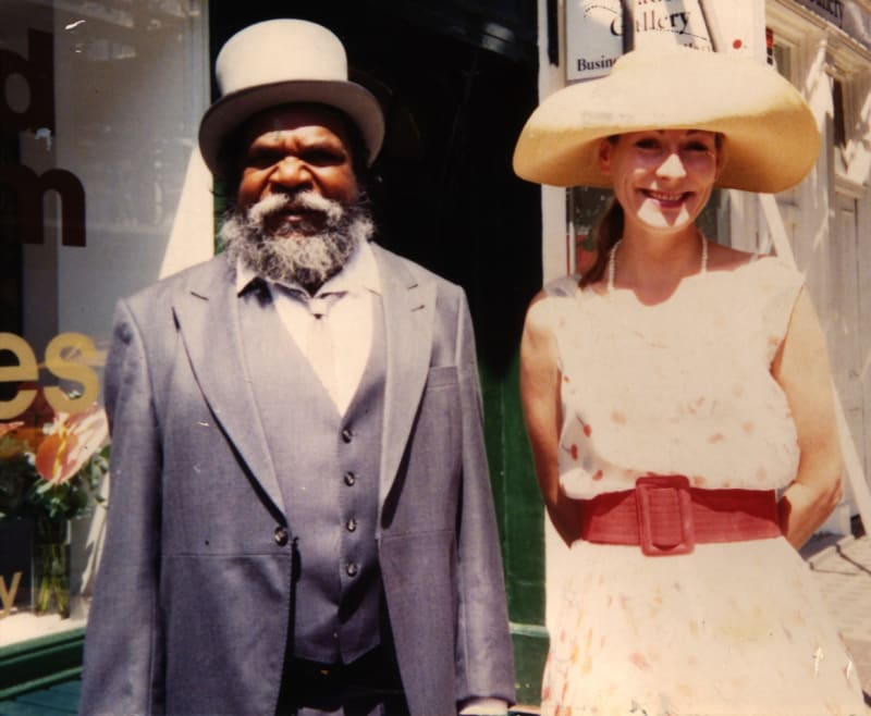 Rebecca Hossack and Clifford Possum on their way to meet the Queen in 1990
