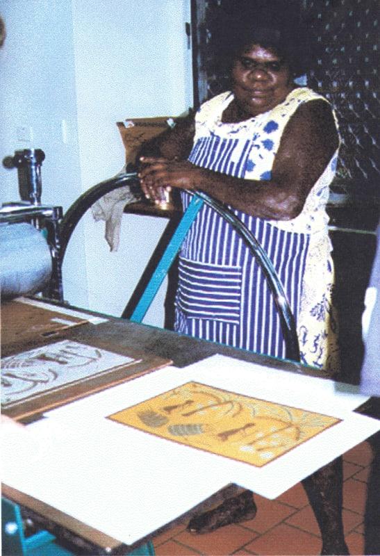 Marrnyula Mununggurr printmaking in Yirrkala, 1998