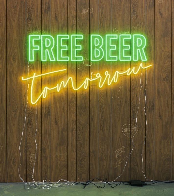 Wendy White, Free Beer Tomorrow (green, yellow), 2019
