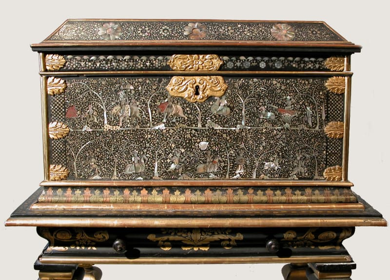 A Highly Important Lacquered and Mother-of-Pearl Inlaid Casket