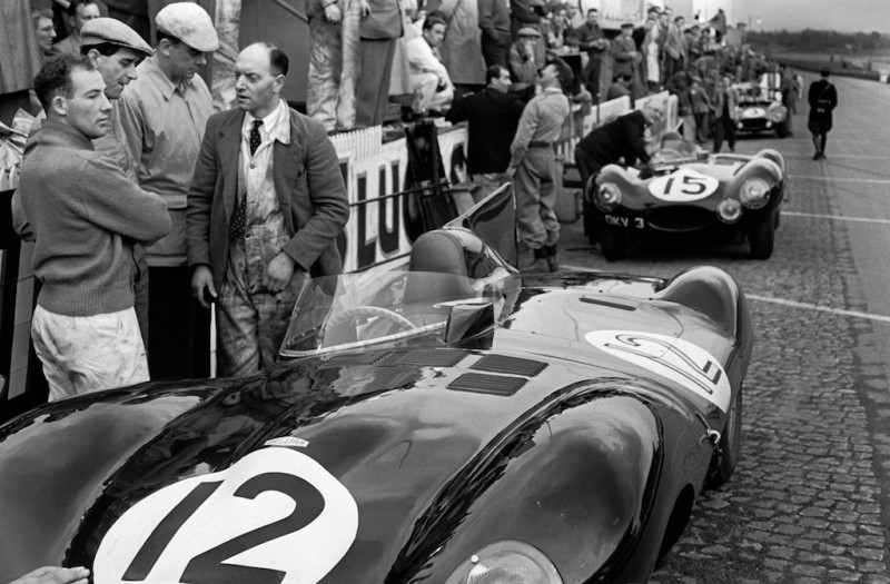 STIRLING MOSS, JAGUAR PITS, 1954