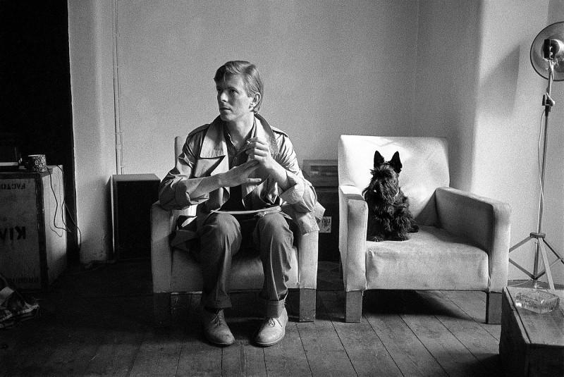 DAVID BOWIE WITH SCOTTIE DOG, LONDON, 1980