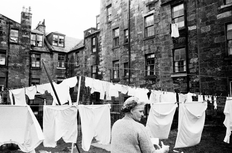 LADY WITH WASHING, GREENOCH, C 1960'S