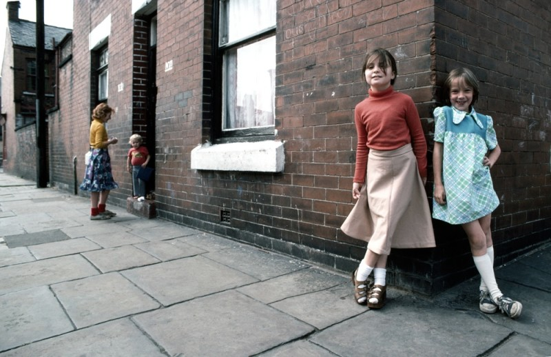 MANCHESTER GIRLS IN STREET, 1977