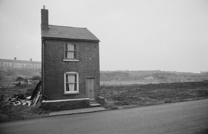 LONE HOUSE BLACK COUNTRY, THE NORTH, C 1960'S