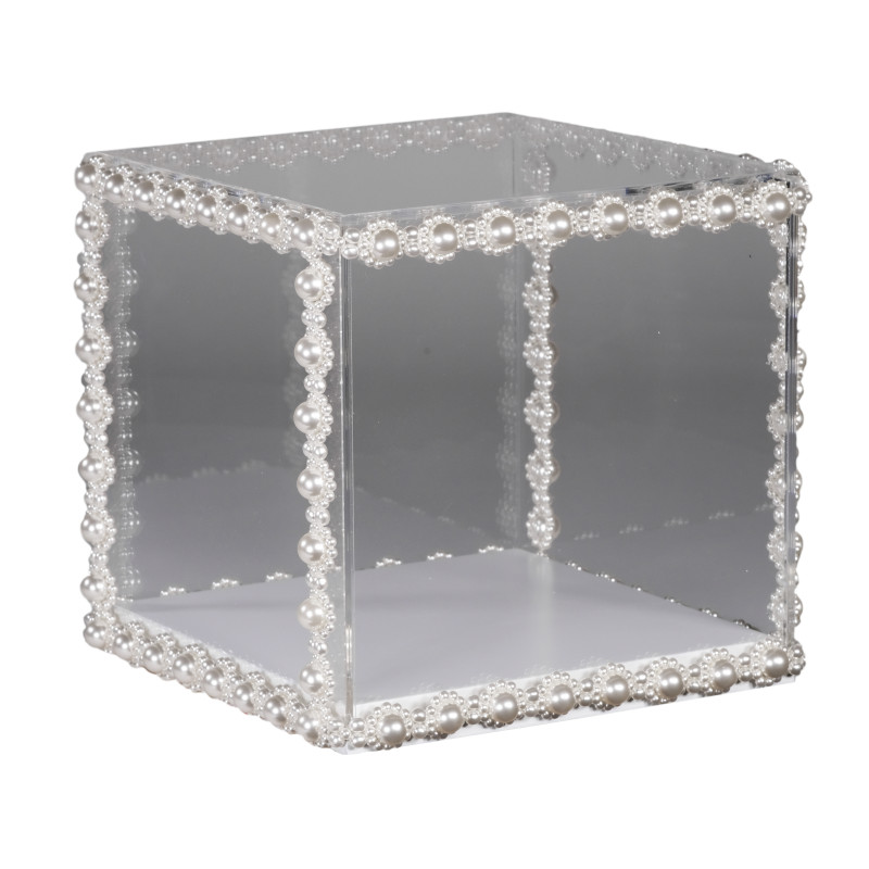 <span class=%22title%22>Pearly Cube<span class=%22title_comma%22>, </span></span><span class=%22year%22>2020</span>