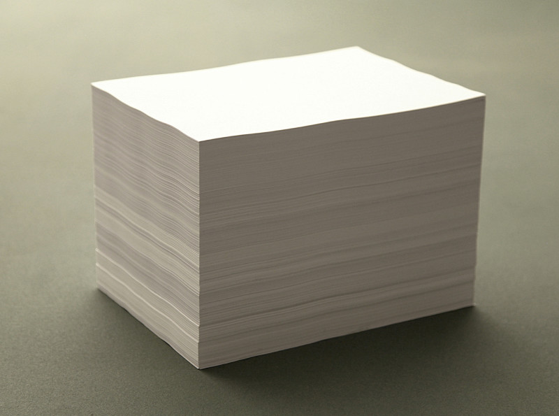 IGNACIO URIARTE, A stack, 2010