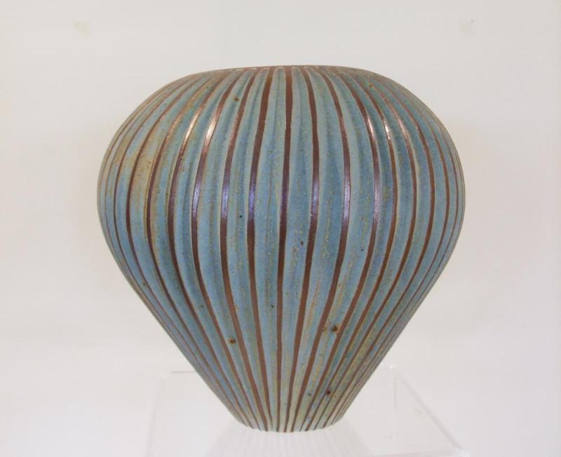 Emily Myers, Large seed pod vase