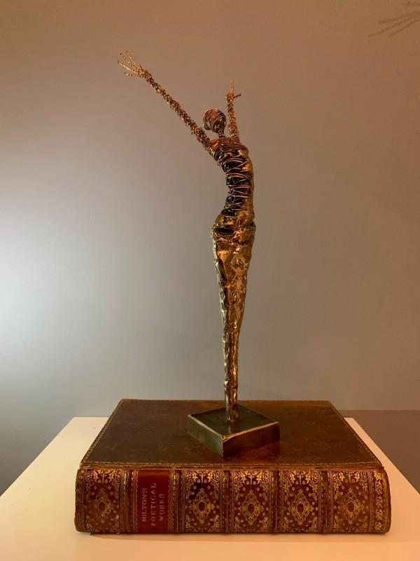 Rachel Ducker, 2. Bronze figure arms up