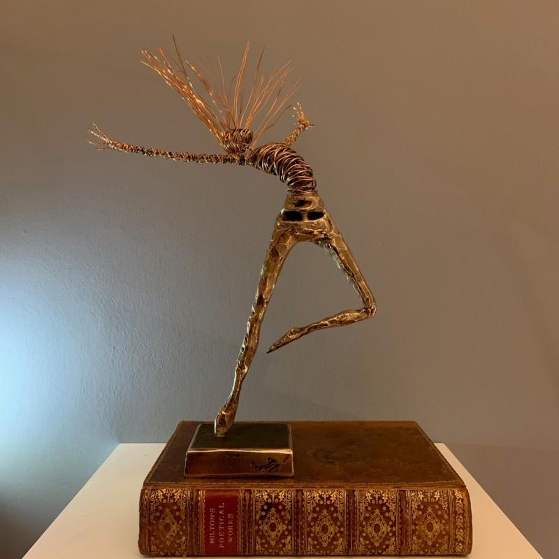 Rachel Ducker, 1. Bronze figure leg kick arms up