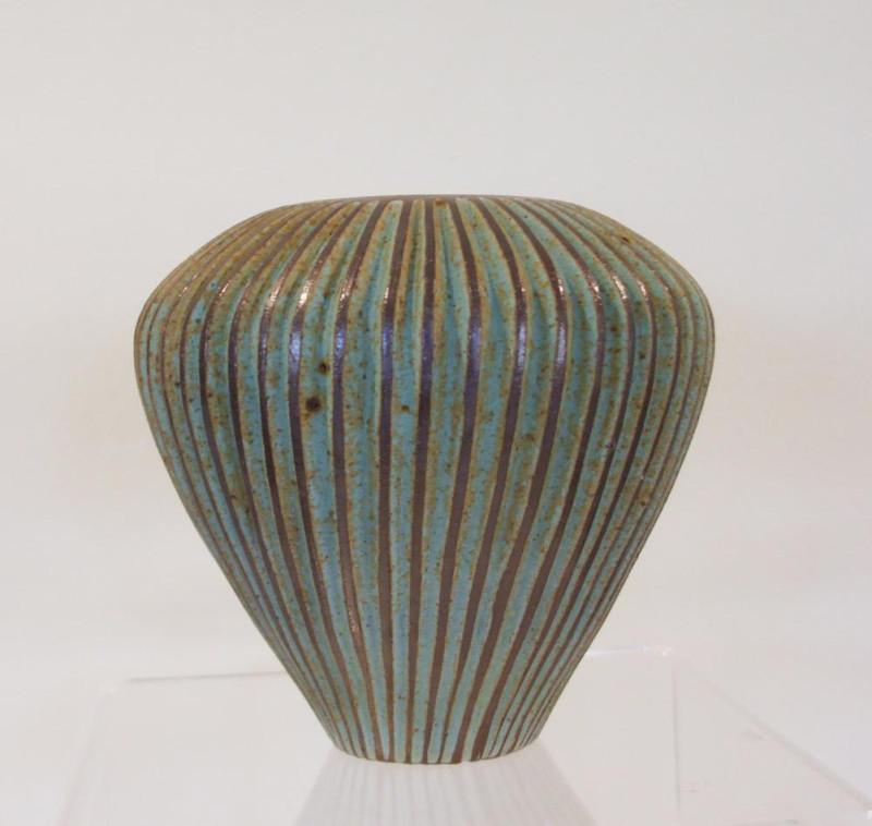 Emily Myers, Small seed pod vase