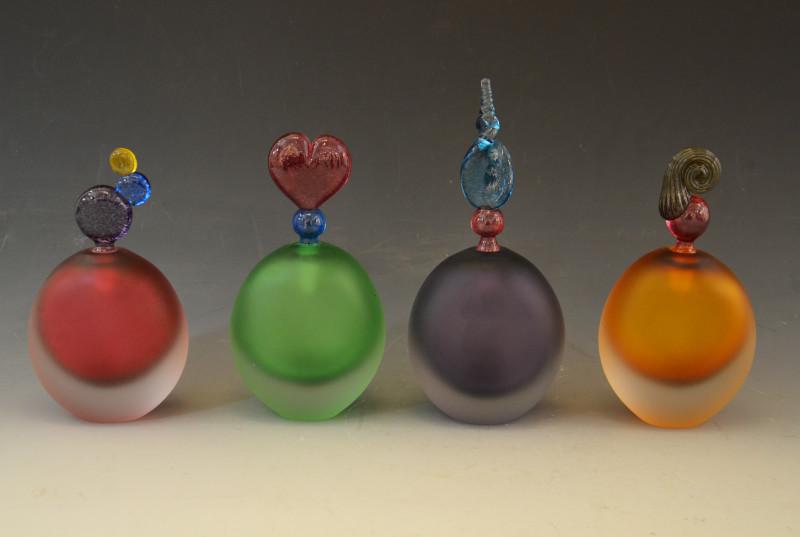 Bob Crooks, Flat round scent bottle