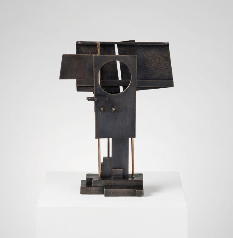 Leigh Davis, Linear Form