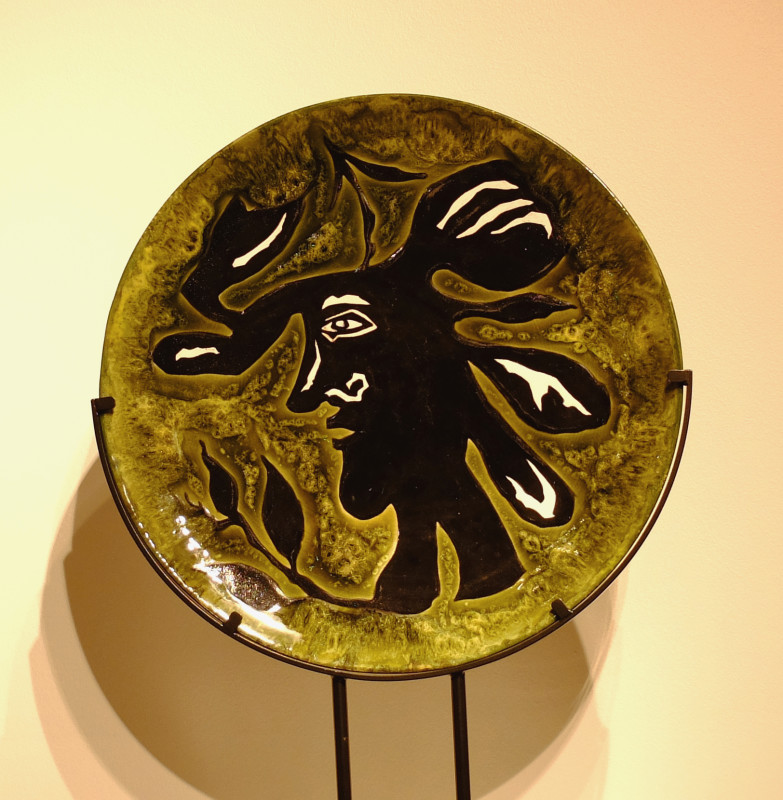 Jean Lurçat, Plate - Green - Head with Laurel Leaves, 1955