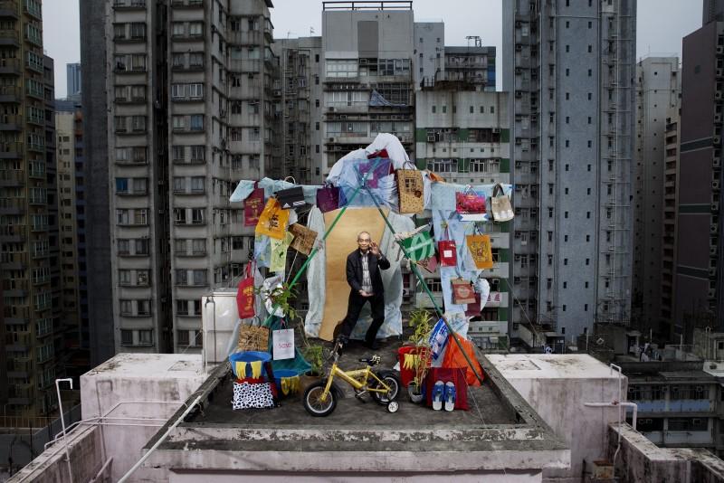 NICOLAS HENRY, WOO KWONG HOU, 2009