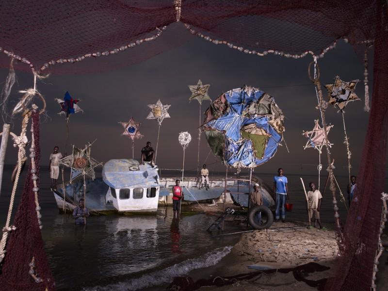 NICOLAS HENRY, LA TERRE, LES ETOILES ET LE BATEAU ECHOUE / THE EARTH, THE STARS AND THE WRECK, 2012