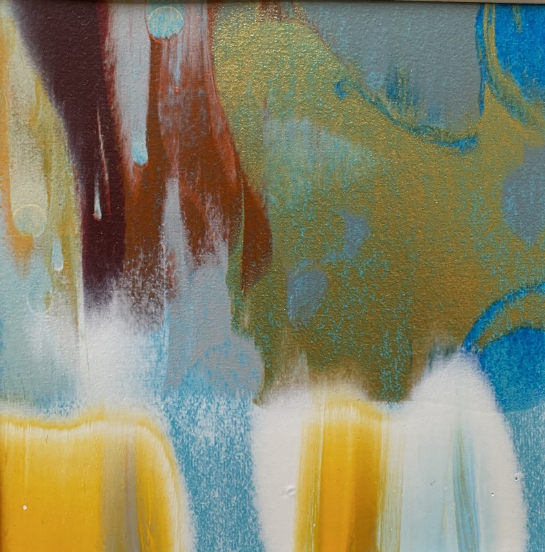 Lisa Sharpe, Shimmering gold with yellow, white, blue and burnt sienna, 2020