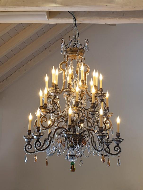An Italian nineteenth century twenty-five light chandelier, Venica, early 19th Century