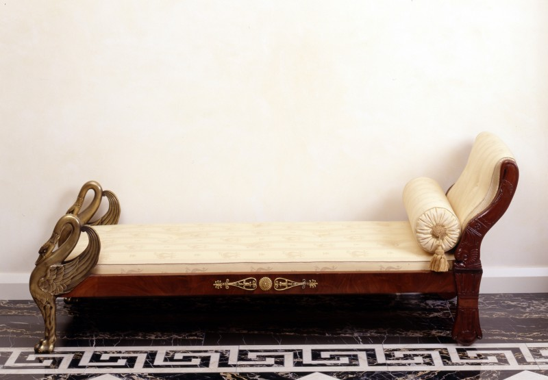 A late Empire figural chaise-longue with two carved swans at the foot, Paris, date circa 1825