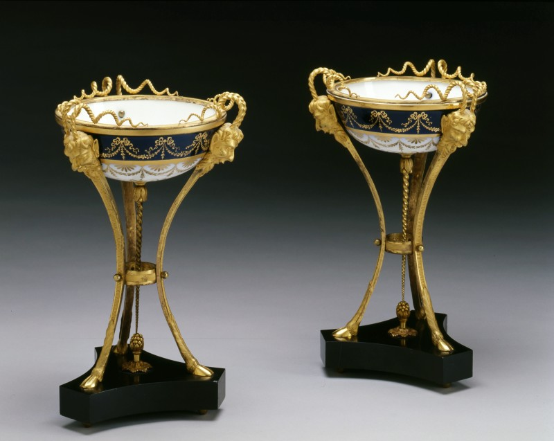 A pair of Louis XVI dishes, by Sèvres, Paris, date circa 1785