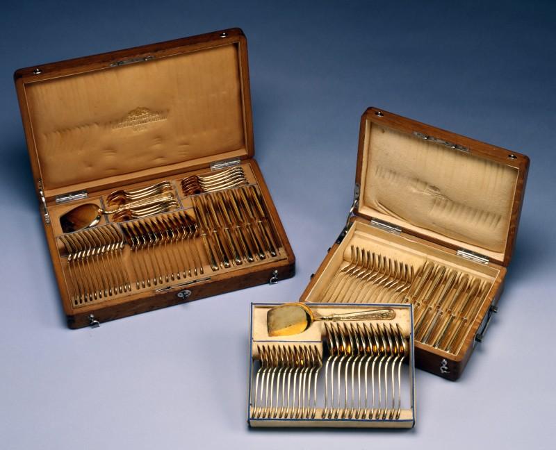 A silver gilt Cutlery service by J. C. Klinkosch, Vienna, date circa 1870