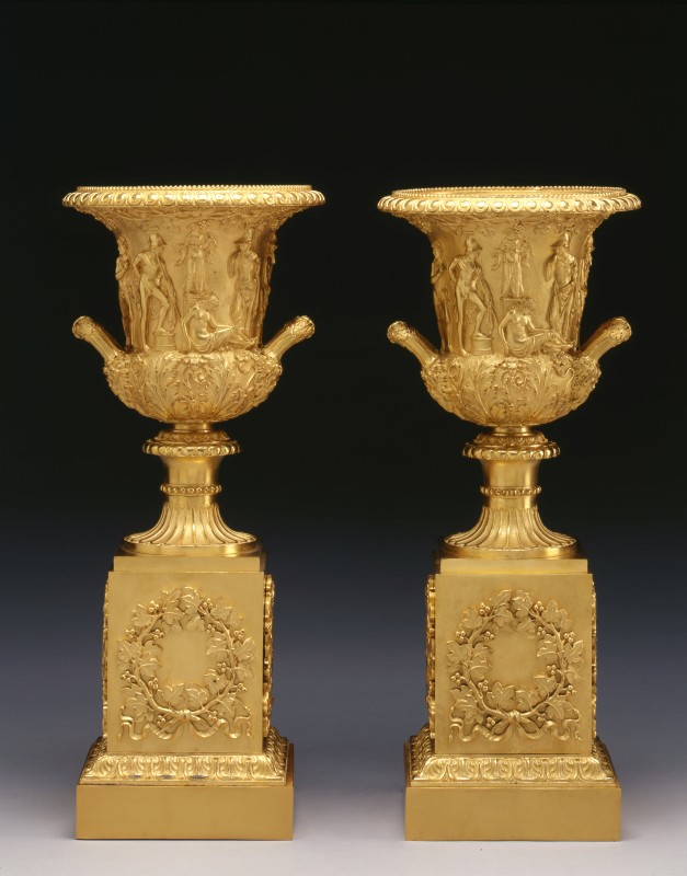 A pair of Empire Medici Vases on pedestals attributed to Pierre-Philippe Thomire, Paris, date circa 1810
