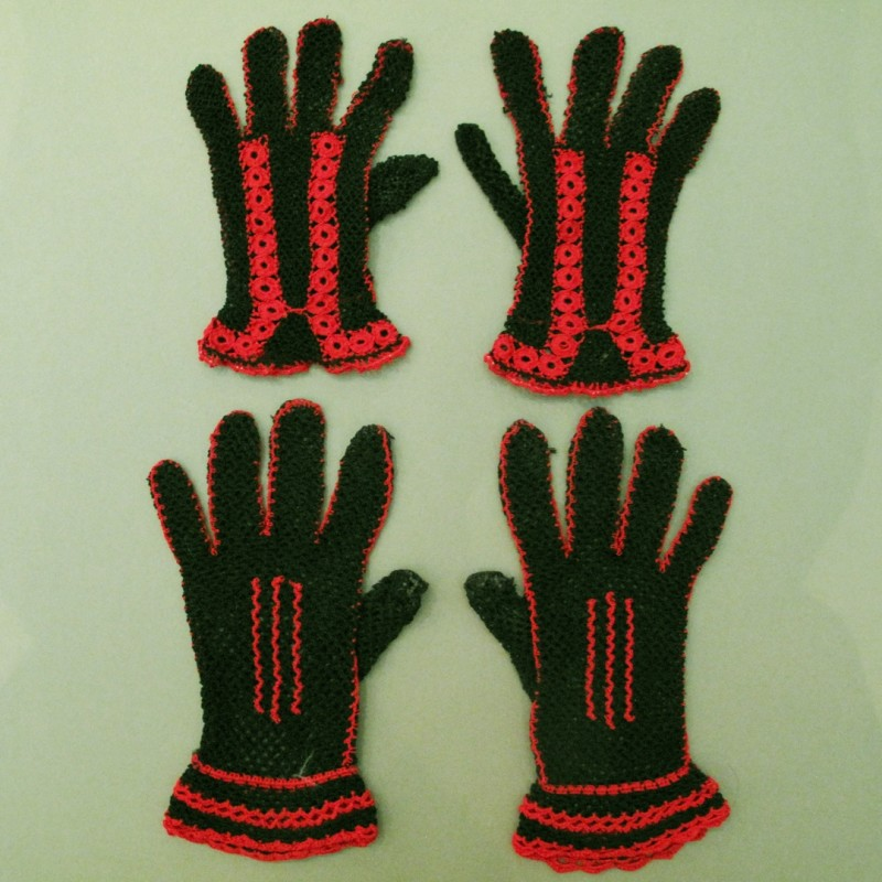 Very striking red and black 1920s/30s crochet gloves.