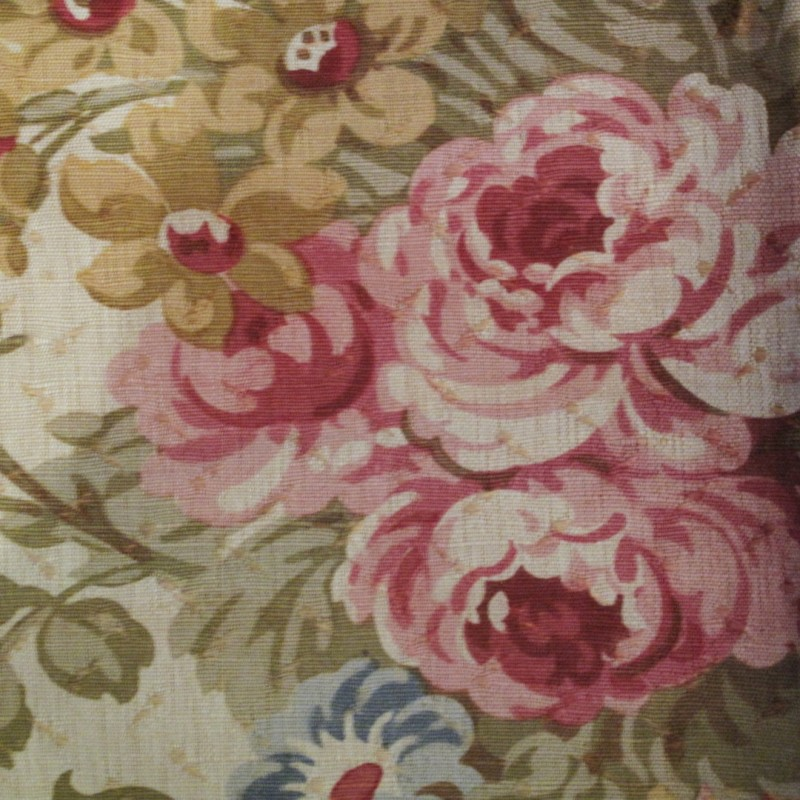 Stunning rose printed heavy linen vintage fabric measuring approx 1.5 mtrs.
