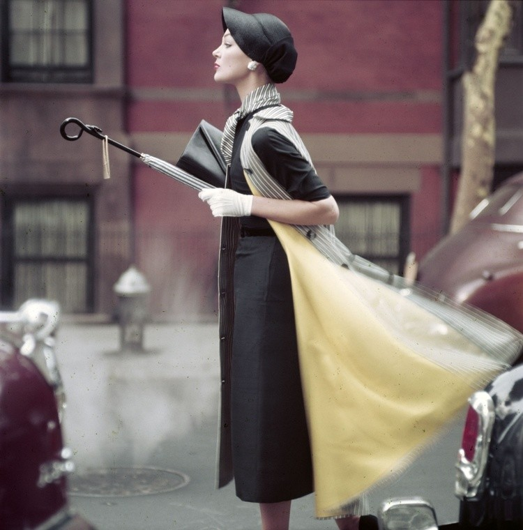 Norman Parkinson, TRAFFIC, IVY NICHOLSON IN NEW YORK, VOGUE, 1957