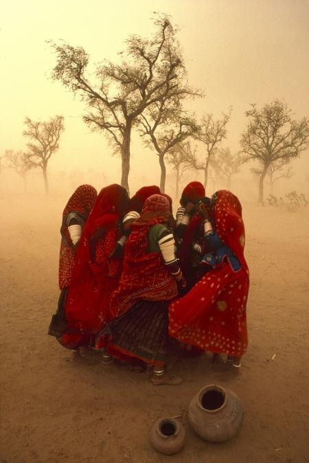Steve McCurry, DUST STORM, RAJASTHAN, INDIA, 1983
