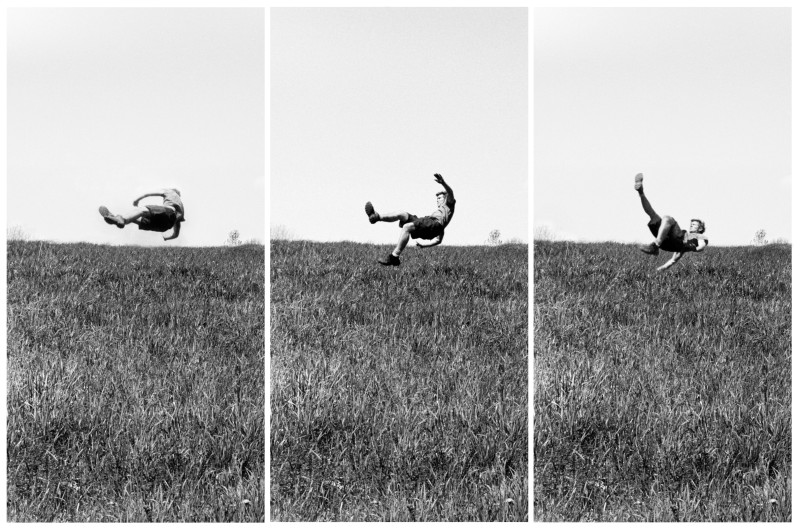 Kerry Skarbakka, GRASS, IN BLACK AND WHITE, FROM THE SERIES 'THE STRUGGLE TO RIGHT ONESELF', 2009