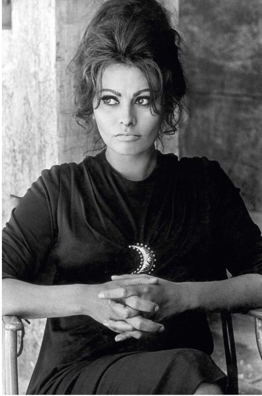 Terence Donovan, SOPHIA LOREN, TAKEN ON THE SET OF ANTHONY MANN'S 'THE FALL OF THE ROMAN EMPIRE', SPAIN, 19 - 22 MAY, 1963