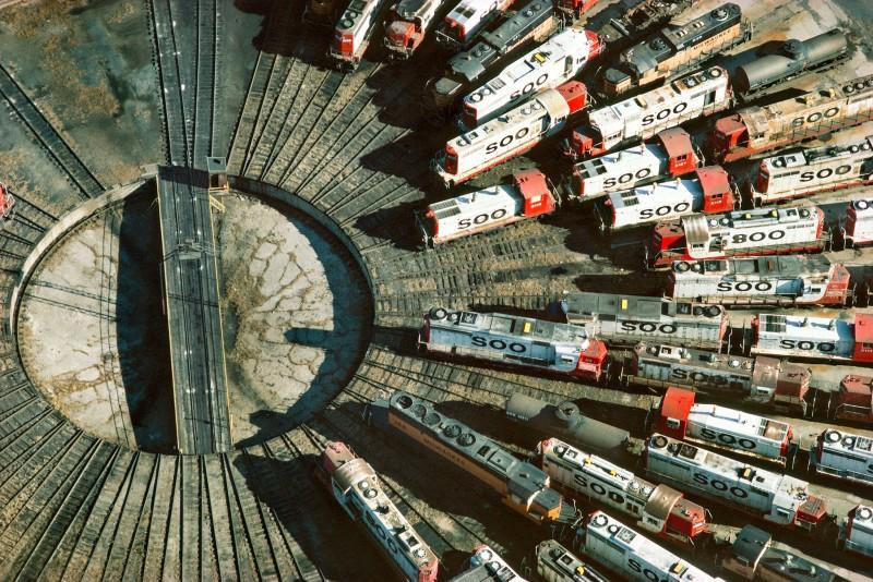 Alex Maclean, RAILROAD TURNTABLE, MINNEAPOLIS, MINNESOTA, USA, 1985