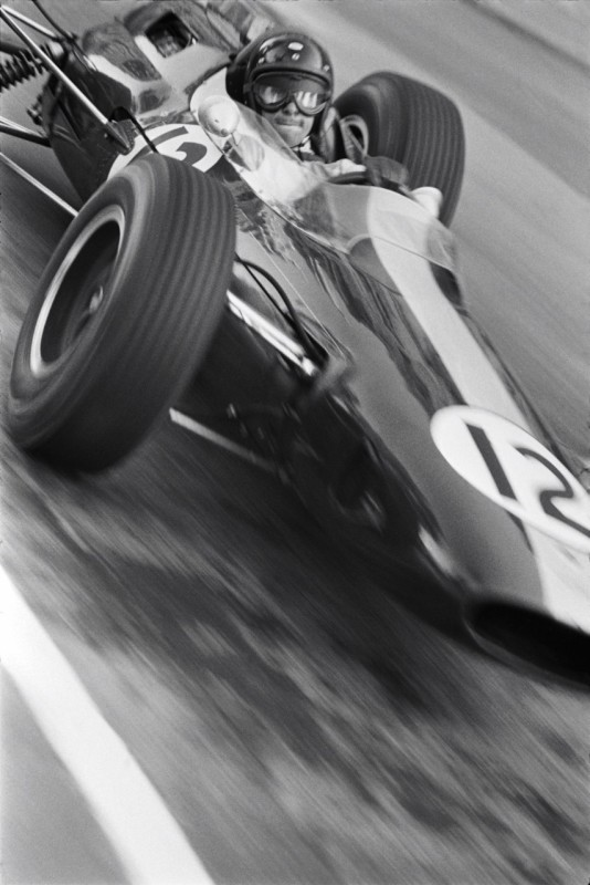 Patrick Lichfield, JIM CLARKE DURING THE MONACO GRAND PRIX, 10TH MAY, 1964