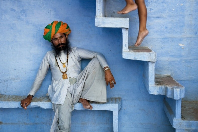 Steve McCurry, MAN BENEATH STAIRS, JODHPUR, INDIA, 2005