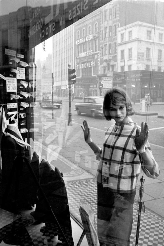 Brian Duffy, JEAN SHRIMPTON, EDGWARE ROAD, 1960
